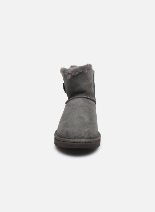 Bottines et boots UGG W Mini Bailey Button Bling Gris vue portées chaussures
