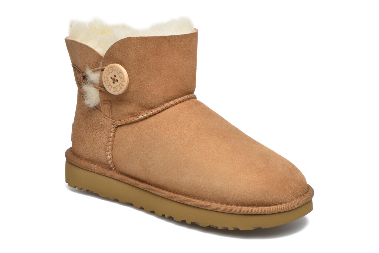Bottines et boots UGG W Mini Bailey Button II Marron vue détail/paire