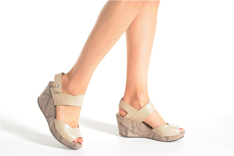 Sandales et nu-pieds Stonefly Marlene 13 Calf Beige vue bas / vue portée sac