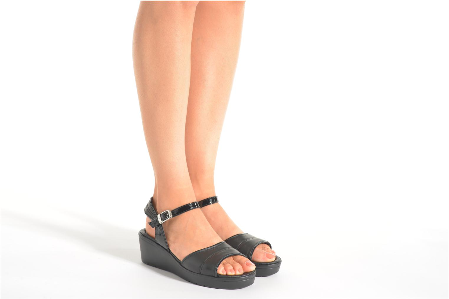Sandals Stonefly Tess 1 Goat Black view from underneath / model view