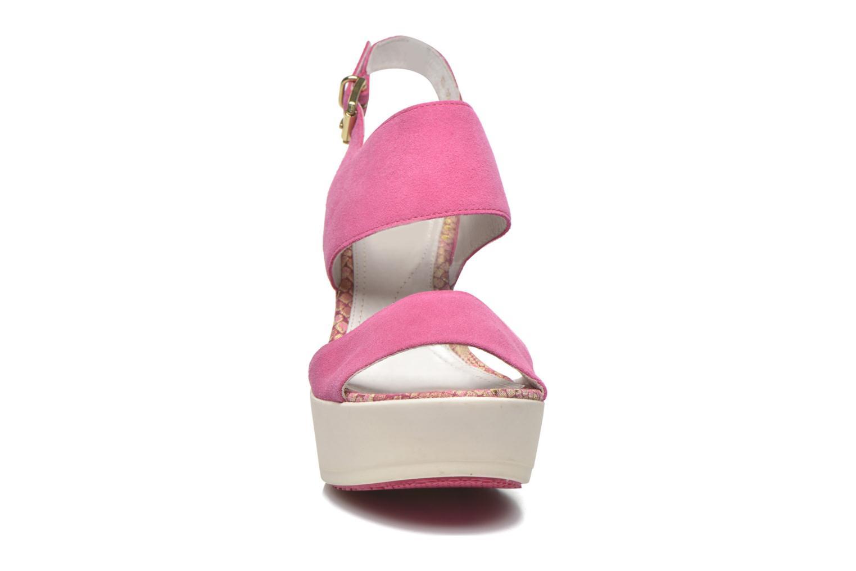 Sandales et nu-pieds Stonefly Saint Tropez 7 Velour Rose vue portées chaussures