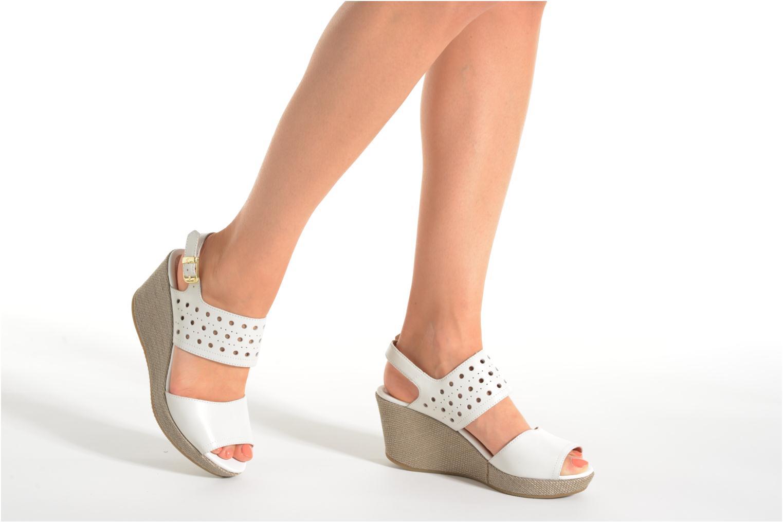 Sandales et nu-pieds Stonefly Marlene 19 Blanc vue bas / vue portée sac