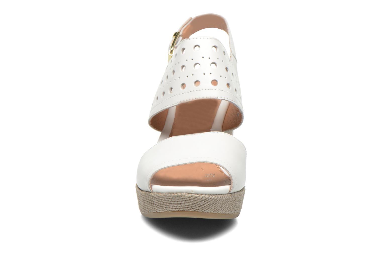 Sandales et nu-pieds Stonefly Marlene 19 Blanc vue portées chaussures