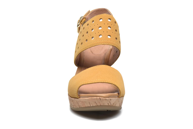 Sandales et nu-pieds Stonefly Marlene 19 Velour Jaune vue portées chaussures