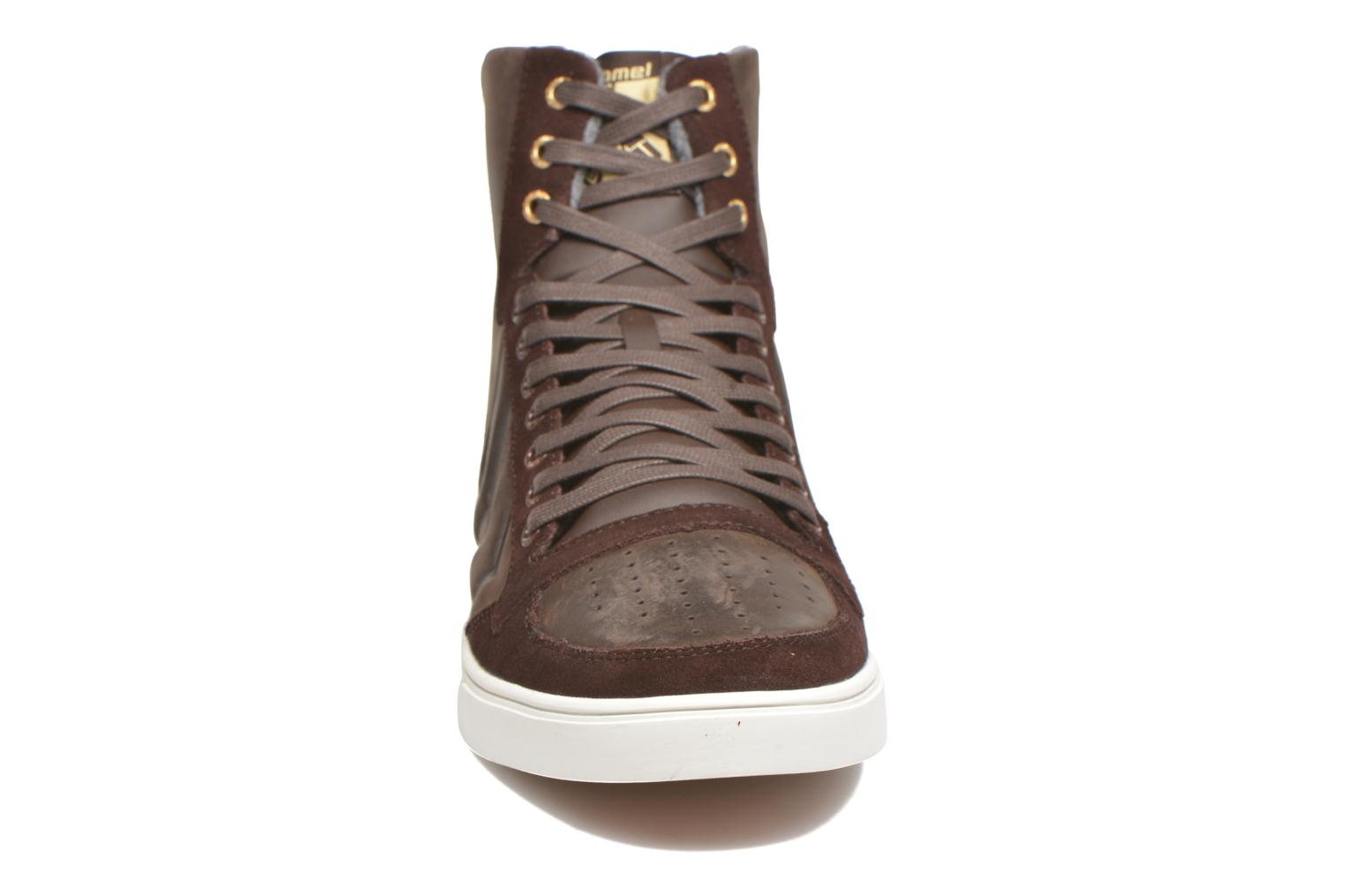 Trainers Hummel Ten Star Mono Oiled High Brown model view