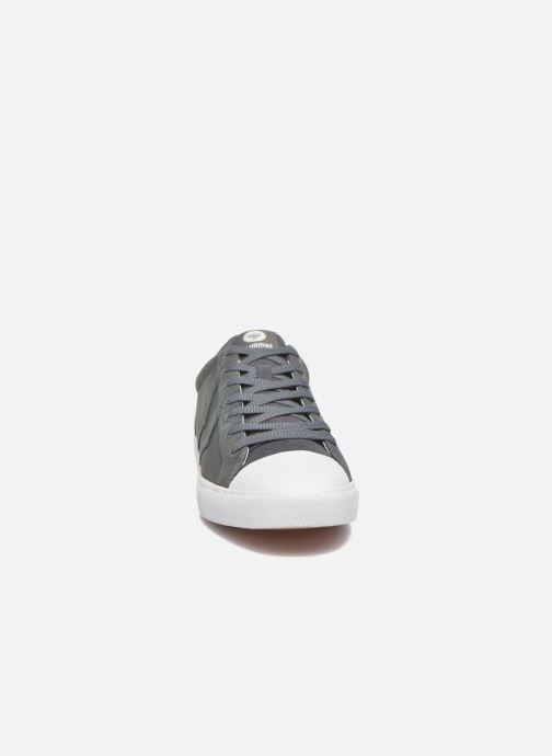 Sneaker Hummel Baseline Court Leather grau schuhe getragen