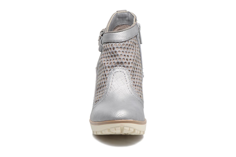Bottines et boots Mustang shoes Eva Gris vue portées chaussures