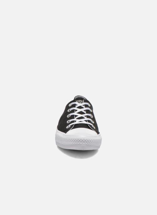 Sneakers Converse Chuck Taylor All Star Gemma Twill Ox Nero modello indossato