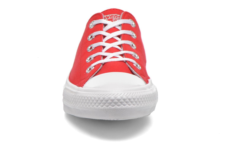 Baskets Converse Chuck Taylor All Star Gemma Twill Ox Rouge vue portées chaussures