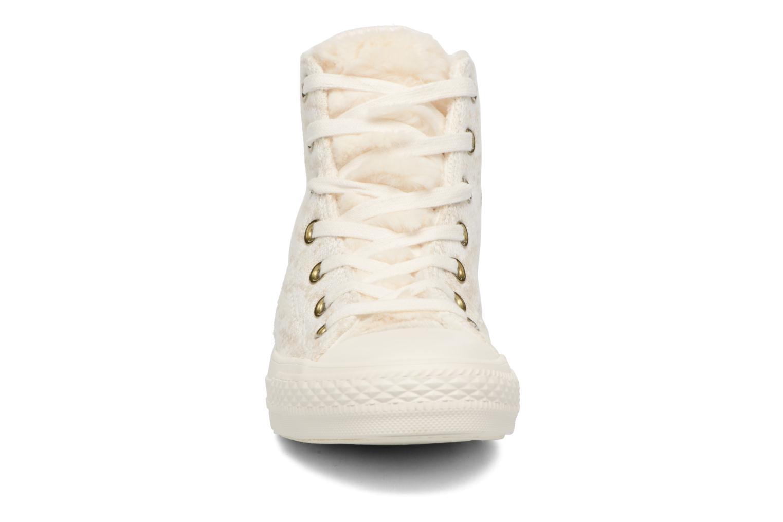 Baskets Converse Ctas Winter Knit/Fur Hi Beige vue portées chaussures