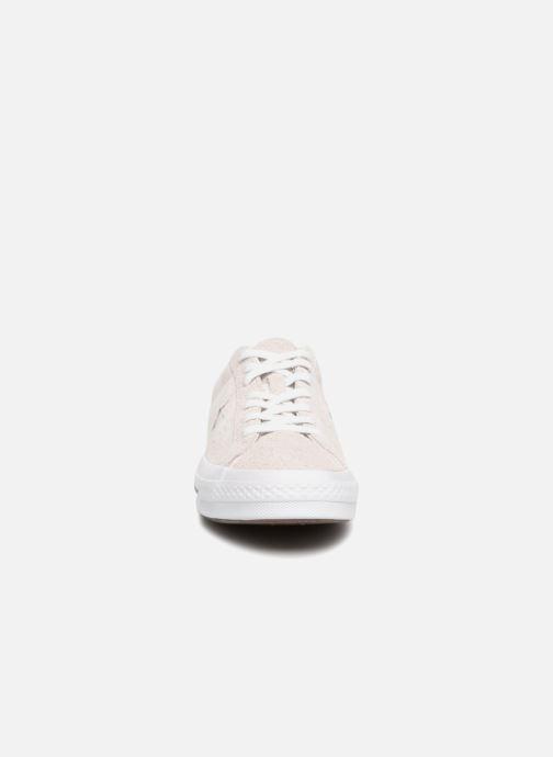 Baskets Converse One Star Ox M Gris vue portées chaussures