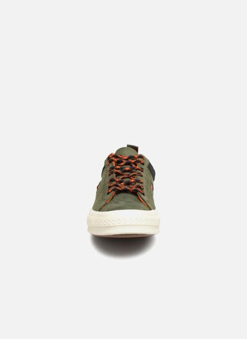 Baskets Converse One Star Ox M Vert vue portées chaussures