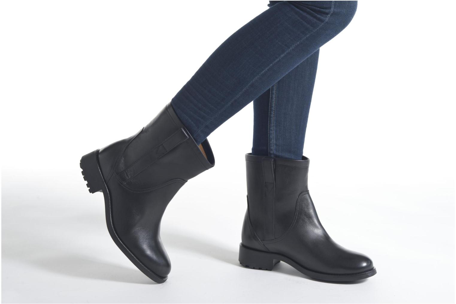 Ankle boots Aigle Chanteside Low Brown view from underneath / model view