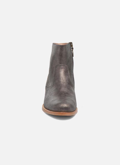 Boots en enkellaarsjes Bensimon Boots croute velours plate Grijs model