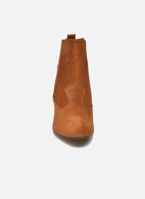 Ankle boots Heyraud Daisy Brown model view