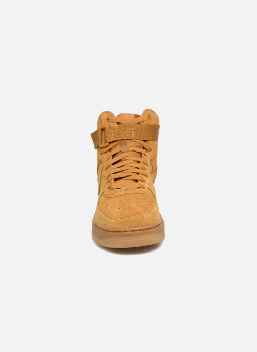 Sneakers Nike Air Force 1 High Lv8 (Gs) Brun bild av skorna på