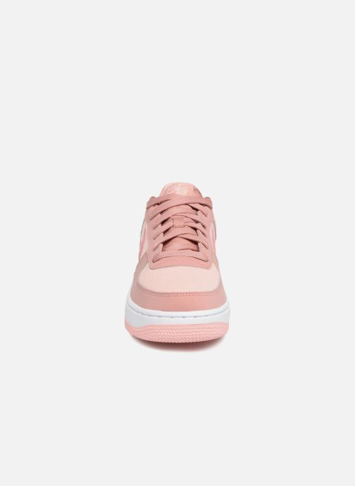 Sneakers Nike Air Force 1 Lv8 (Gs) Pink se skoene på