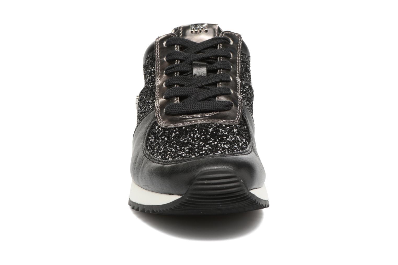 Baskets Michael Michael Kors Allie Wrap Trainer Noir vue portées chaussures