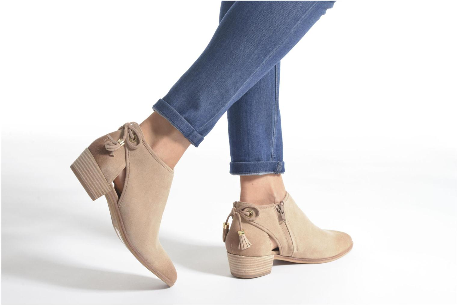 Ankle boots Michael Michael Kors Jennings Flat Bootie Beige view from underneath / model view