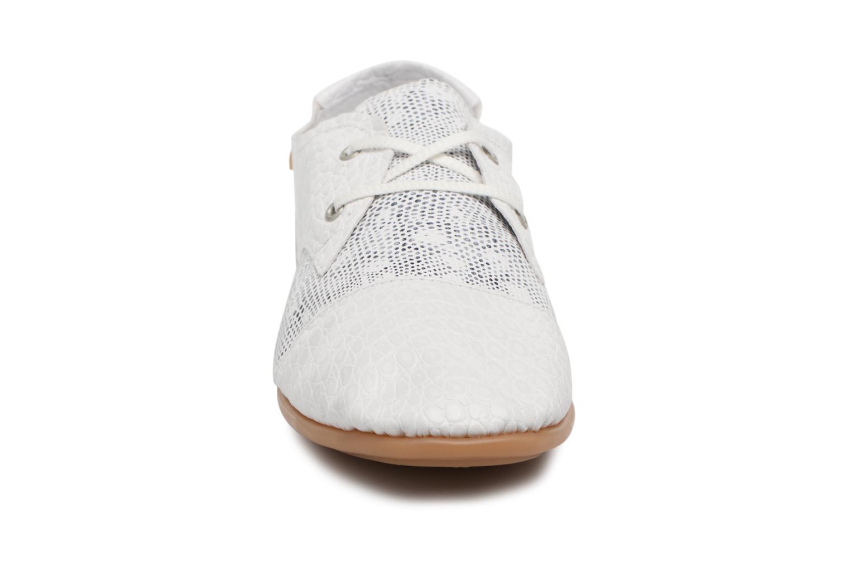 Chaussures à lacets Pataugas Swing/S Blanc vue portées chaussures