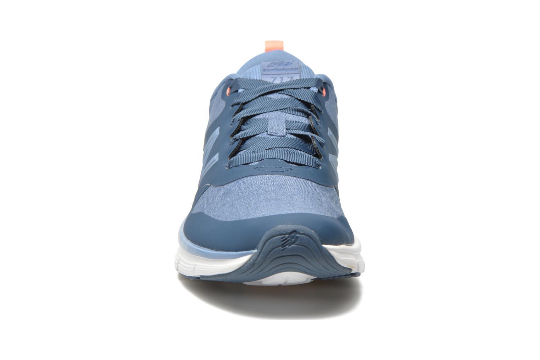 Baskets New Balance WF717 B Bleu vue portées chaussures