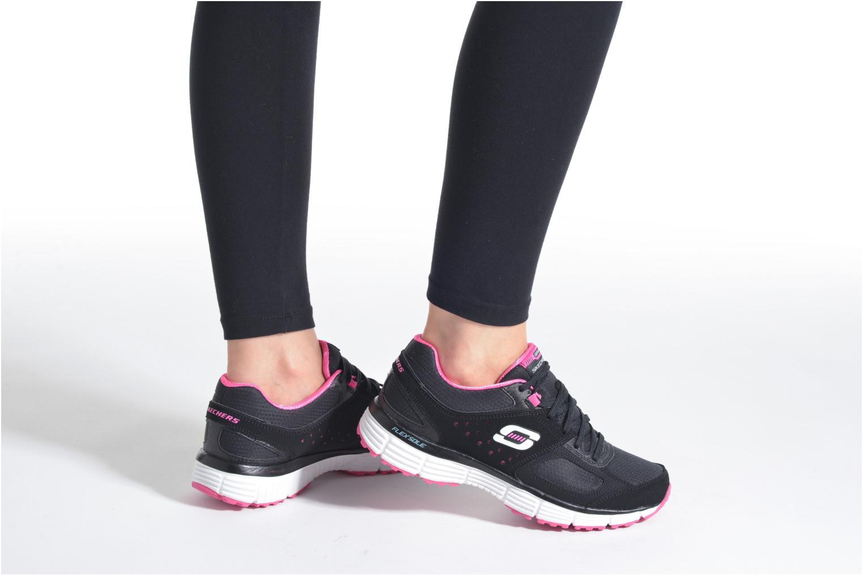 Sportschuhe Skechers Agility - Ramp Up schwarz ansicht von unten / tasche getragen