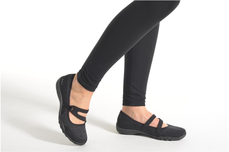 Ballerinaer Skechers Breathe-Easy - Lucky Sort se forneden