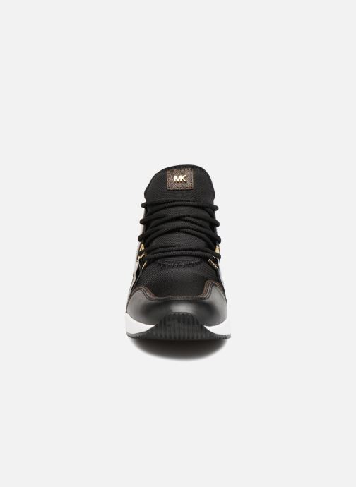 Sneaker Michael Michael Kors Scout Trainer schwarz schuhe getragen
