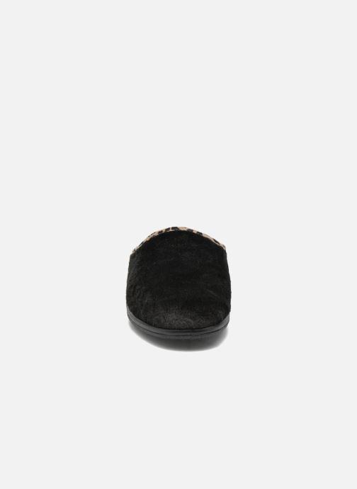 Pantuflas Rondinaud Esnes Negro vista del modelo