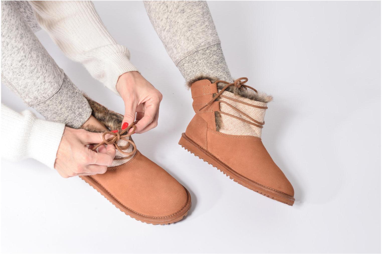 Bottines et boots Roxy Tara Marron vue bas / vue portée sac