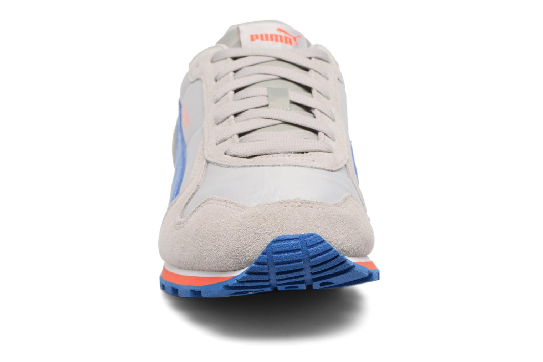 Baskets Puma ST Runner NL Gris vue portées chaussures