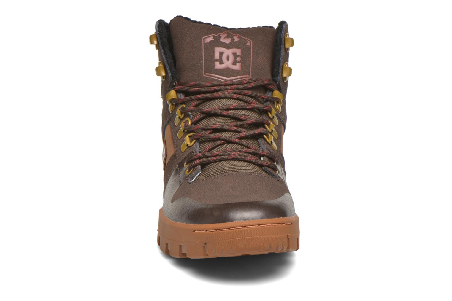 Baskets DC Shoes Spartan High WR Marron vue portées chaussures