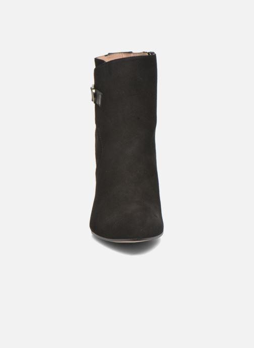 Ankle boots Pura Lopez Gloria Black model view