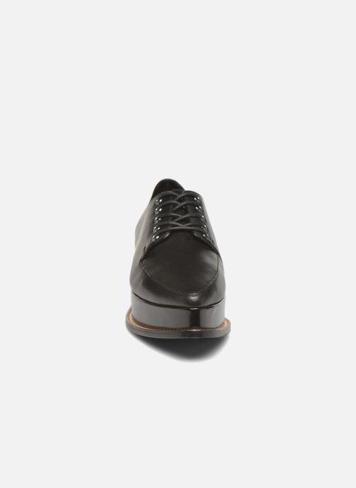 Zapatos con cordones Opening Ceremony ELEANORA II Negro vista del modelo