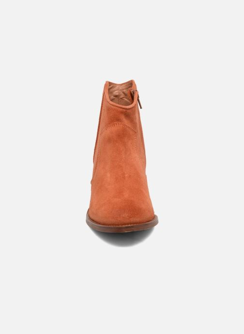 Stivaletti e tronchetti Jonak Dakota Arancione modello indossato