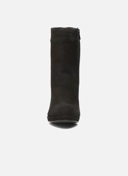 Bottines et boots Buffalo Emy Noir vue portées chaussures