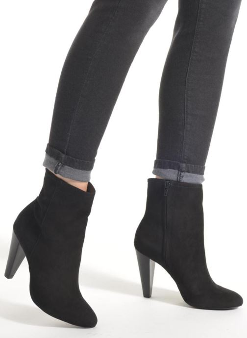 Ankle boots Buffalo Naia Black view from underneath / model view
