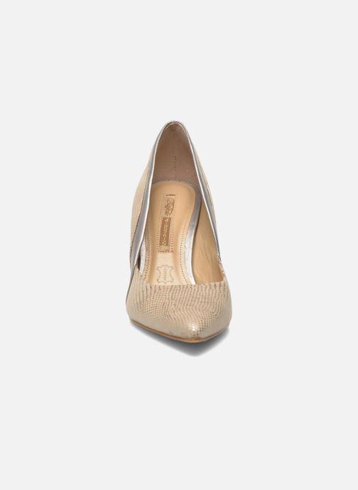 High heels Buffalo Maiwen Beige model view