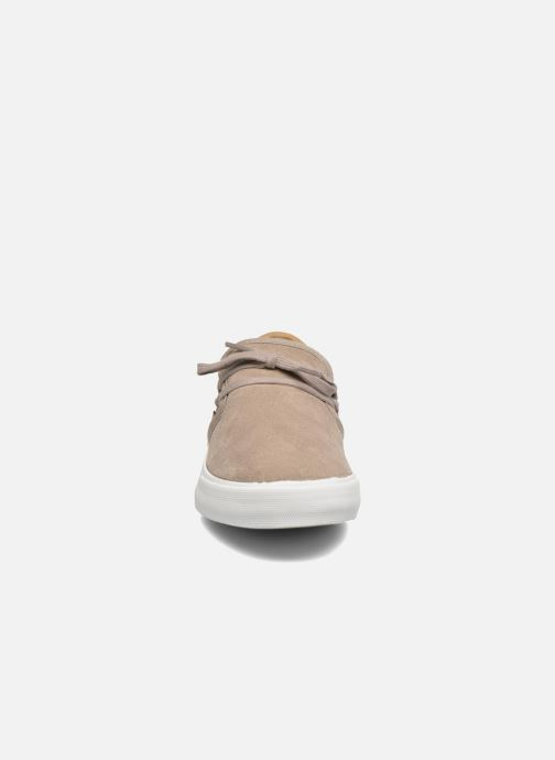 Sneaker Supra Cuba w braun schuhe getragen