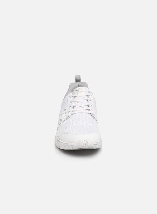 Baskets Supra Scissor Blanc vue portées chaussures