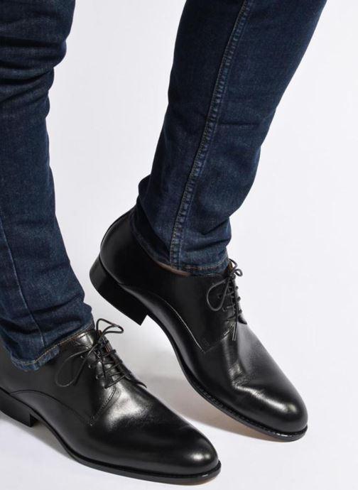 Schnürschuhe Marvin&Co Naust schwarz ansicht von unten / tasche getragen