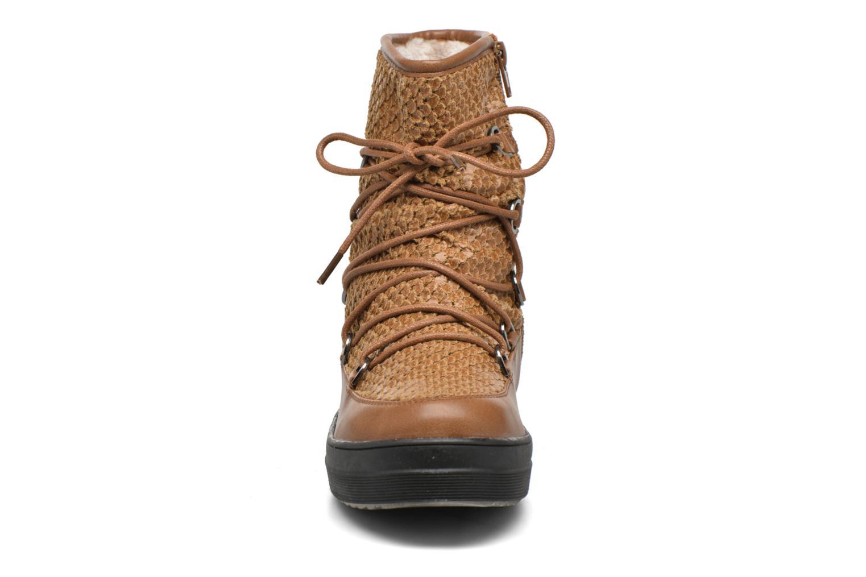 Sport shoes Kimberfeel Nadia Brown model view