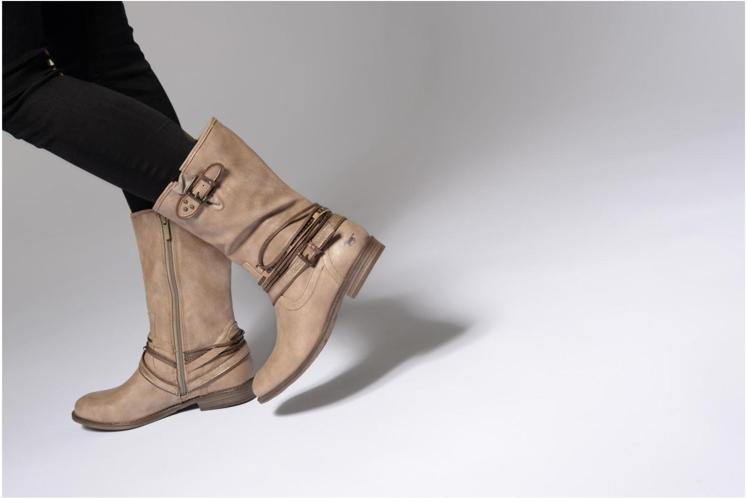 Ankle boots Mustang shoes Mupe Brown view from underneath / model view
