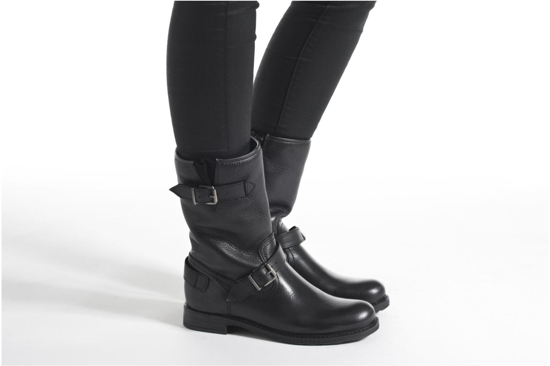 Bottes Mustang shoes Brea 2 Noir vue bas / vue portée sac