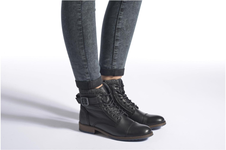 Bottines et boots Mustang shoes Muwa Noir vue bas / vue portée sac