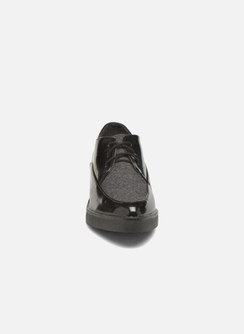 Zapatos con cordones André Cab Negro vista del modelo