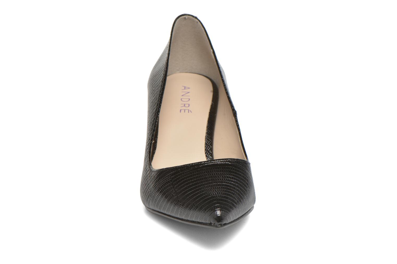 High heels André Parissa Black model view