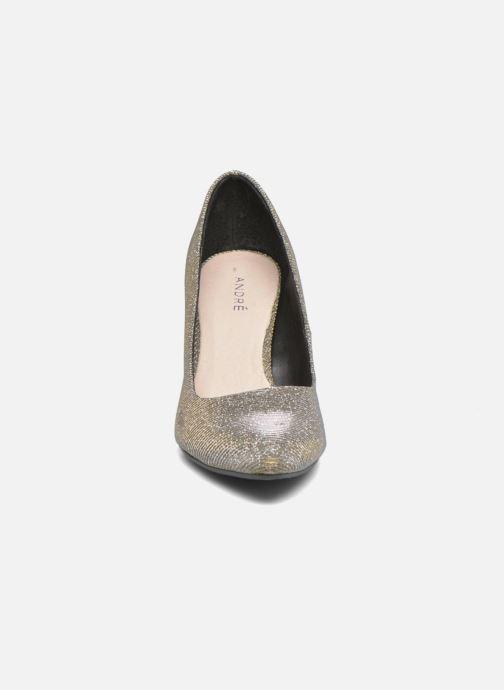 Zapatos de tacón André Prettty Plateado vista del modelo