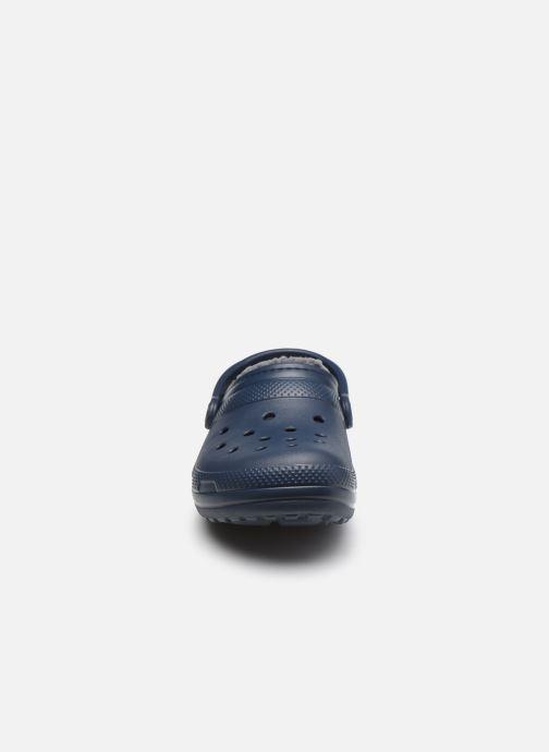 Sandalias Crocs Classic Lined clog Azul vista del modelo