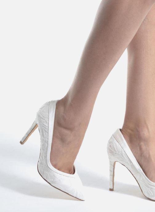 Zapatos de tacón Menbur Giovanna Blanco vista de abajo